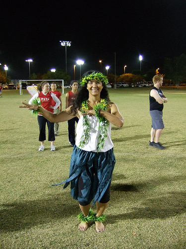 Ultimate player dressed as a hula lady